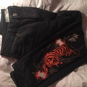 Topshop Embroidered Mom Jeans!